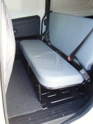L1 - Tilt & Fold Rear Seat, Headrests,2 x lap and diagonal